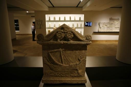 Un sarcophage phénicien exposé au musée national de Beyrouth, le 13 octobre 2016 © JOSEPH EID AFP