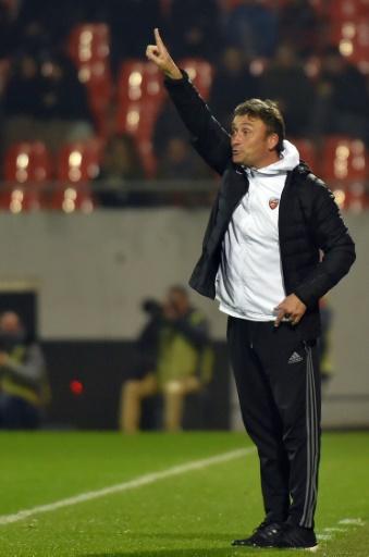 L'entraîneur par intérim de Lorient Franck Haize, le 29 octobre 2016 lors du match face à Montpellier © LOIC VENANCE AFP/Archives