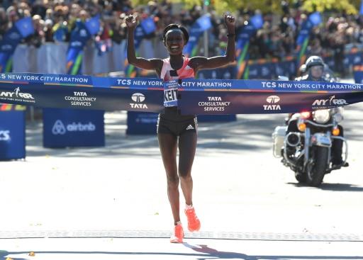 La Kényane Mary Keitany victorieuse du marathon de New York, le 6 novembre 2016 © TIMOTHY A. CLARY AFP