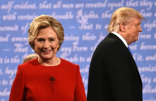 La révélation par le site Wikileaks, qu'une commentatrice de CNN avait fait passer le contenu d'une question à la campagne Clinton avant un débat a alimenté l'impression d'une collaboration occulte entre démocrates et médias © Timothy A. CLARY                AFP/Archives