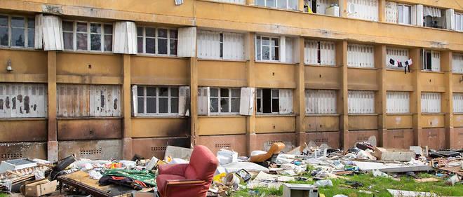 Décharge. La cité Corot, copropriété de 376 logements dans le 13e arrondissement.