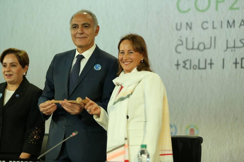 Sur le site du village de Bab Ighli, Salaheddine Mezouar a été élu Président de la COP22/CMP12 et une transition officielle s'est effectuée entre la COP21 française et la présidence marocaine de la COP22. ©  shotnmake