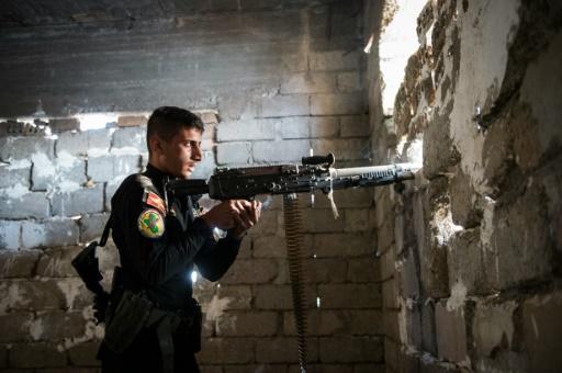 Un soldat irakien le 11 novembre 2016 à Samah dans la banlieue est de Mossoul © Odd ANDERSEN AFP