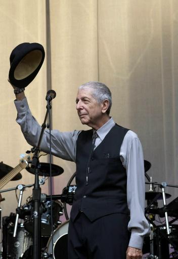 Leonard Cohen sur scène à Gent, le 12 août 2012 © NICOLAS MAETERLINCK BELGA/AFP