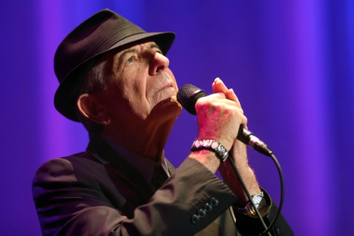 Leonard Cohen lors d'un concert à l'Olympia, le  28 septembre 2012 © THOMAS SAMSON AFP