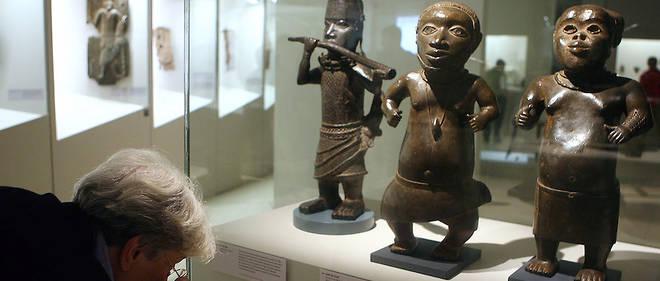 Des statues du Bénin sont exposées ici au musée du quai Branly-Jacques Chirac en octobre 2007.