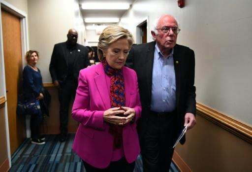 Hillary Clinton et Bernie Sanders le 3 novembre 2016 à Raleigh en Caroline du Nord © Jewel SAMAD AFP/Archives