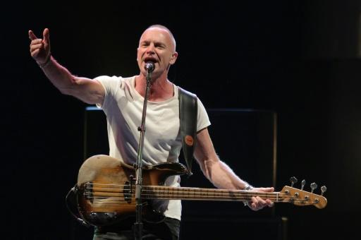 Le chanteur et compositeur britannique Sting se produit le 18 juillet 2013 au festival de Juan-les-Pins, France © Jean-Christophe MAGNENET AFP/Archives