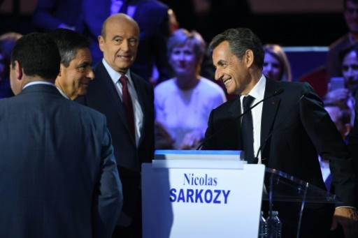 Francois Fillon, Alain Juppé et Niolas Sarkozy lors du second débat télévisé des candidats à la primaire de la droite et du centre le 3 novembre 2016 à Paris © Eric FEFERBERG POOL/AFP/Archives