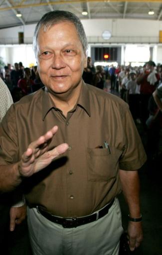 Paul Vergès le 23 mai 2004 à  Saint-Denis-de-la-Réunion © RICHARD BOUHET AFP/Archives