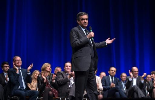François Fillon s'adresse à ses partisans lors d'un meeting le 9 novembre 2016 à Lille © PHILIPPE HUGUEN AFP