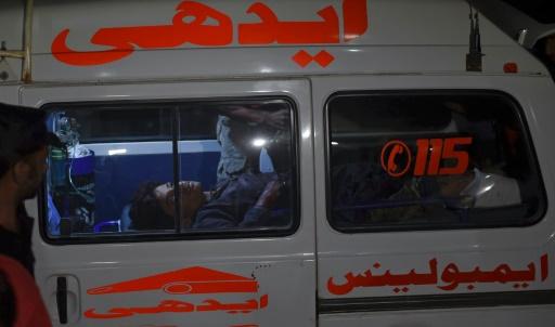 Au moins 43 personnes ont été tuées samedi dans l'explosion d'une bombe pendant une cérémonie religieuse soufie au Baloutchistan © ASIF HASSAN AFP