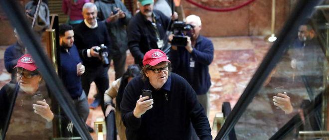 Le réalisateur Michael Moore a tenté samedi 12 novembre de rencontrer le nouveau président à la Trump Tower à New York. En vain.