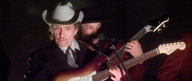 De son vrai nom Robert Allen Zimmerman, Bob Dylan est l'un des chanteurs-auteurs-compositeurs les plus influents de l'histoire de la musique.