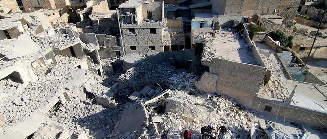 Ces bombardements sont le fait des forces pro-régime.