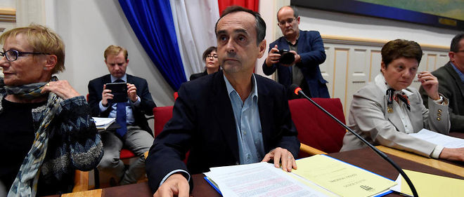 Robert Ménard, le maire de Béziers, lors d'une réunion du conseil municipal.