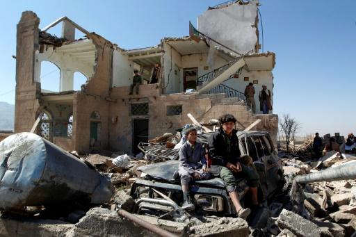 Une maison détruite par une frappe aérienne de la coalition arabe menée par l'Arabie saoudite, le 14 novembre 2016 dans les environs de Sanaa, au Yémen © MOHAMMED HUWAIS, MOHAMMED HUWAIS AFP