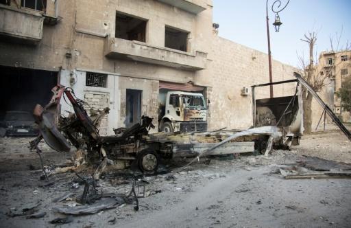 Les épaves de véhicules dans un quartier rebelle d'Alep, le 19 novembre 2016 © KARAM AL-MASRI AFP
