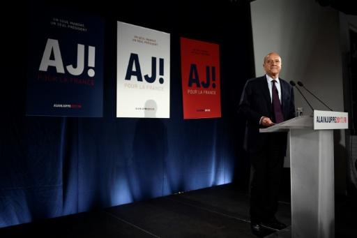 Alain Juppé prononce un discours au soir du premier tour de la primaire à droite, le 20 novembre 2016 à Paris © Martin BUREAU AFP