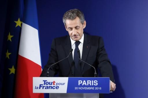 Nicolas Sarkozy annonce son retrait de la vie politique, le 20 novembre 2016 à Paris © IAN LANGSDON POOL/AFP