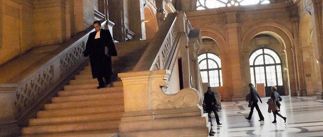 """""""Le procès qui s'ouvre est celui de l'un des drames les plus épouvantables qui ait frappé la police parisienne"""", a résumé devant la presse l'avocat des parties civiles."""