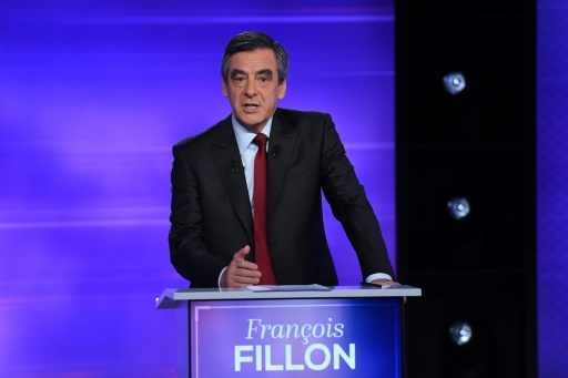 François Fillon lors du débat télévisé de l'entre-deux-tours de la primaire de la droite et du centre, le 24 novembre 2016 à Paris © Eric FEFERBERG POOL/AFP