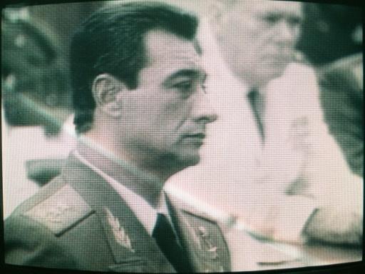 Capture d'écran en date du 25 juin 1989 du général cubain Arnaldo Ochoa, exécuté le 13 juillet 1989  © STR CUBAN TV/AFP/Archives