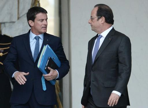 Manuel Valls  et  François Hollande à la sortie du conseil des ministres le 2 novembre 2016 à l'Elysée à Paris © STEPHANE DE SAKUTIN AFP/Archives