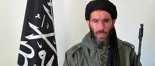 Mokhtar Belmokhtar est le chef du groupe Al-Mourabitoune qui a mené de nombreuses attaques sanglantes dans la région du Sahel.