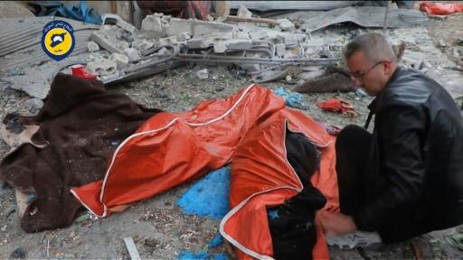 Des cadavres dans les rues d'Alep, capture d'écran d'une vidéo diffusée le 30 novembre 2016 par les secouristes syriens des Casques  Blancs © HO SYRIAN CIVIL DEFENCE IN ALEPPO/AFP