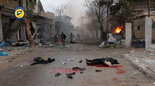 Des cadavres dans les rues d'Alep, en Syrie, capture d'écran d'une vidéo des Casques Blancs diffusée le 30 novembre 2016 © HO SYRIAN CIVIL DEFENCE IN ALEPPO/AFP