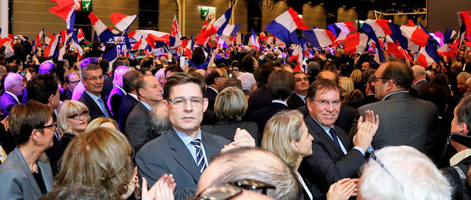 Le 25 novembre à Versailles, le candidat Fillon est en meeting à Versailles. Dans la foule, Charles Beigbeder et Pierre-Olivier Sur, des soutiens de dernière minute...