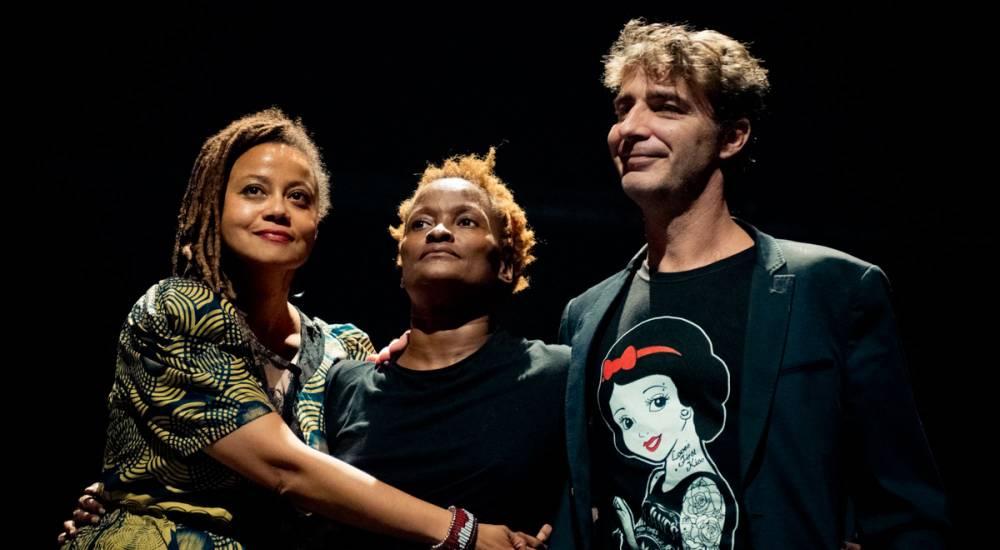 Communauté / Lecture-performance avec Eva Doumbia et Kettly Noël.  ©  Caroline Dutrey