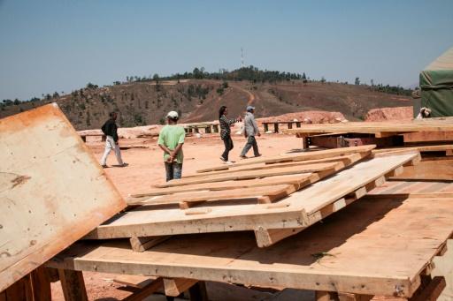 Une mine d'or exploitée par la société chinoise Jiuxing à Soamahamanina, à Madagascar, le 7 octobre 2016 © RIJASOLO AFP