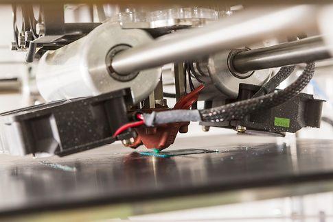 3D printer set up in a robotic club. France ©Stphane OUZOUNOFF