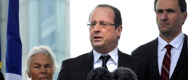 Vincent Feltesse aux côtés de François Hollande et de Micheline Chaban-Delmas lors de l'inauguration de pont Jacques Chaban-Delmas à Bordeaux en 2013.