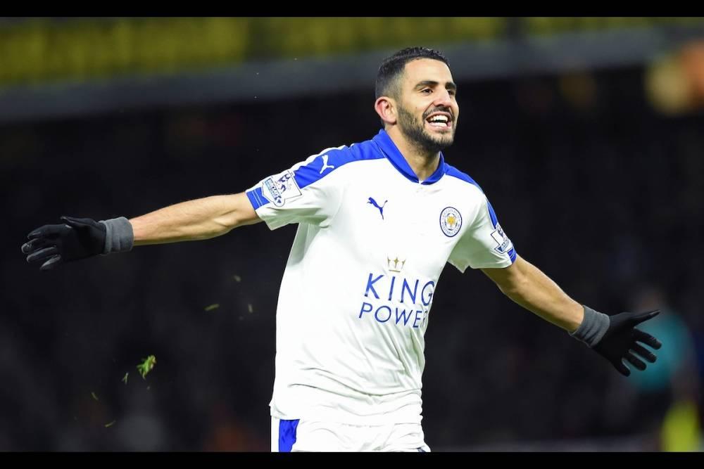 Riyad Mahrez a signé une année 2016 exceptionnelle en remportant, à la surprise générale, le titre de champion d'Angleterre avec Leicester. Ses 17 buts et 11 passes décisives ont été déterminants dans le sacre des Foxes. ©  AFP