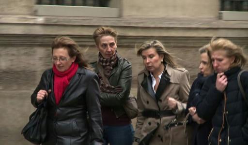 Capture d'écran d'une video d'AFPTV de Sylvie, Fabienne et Carole Carot, les filles de Jacqueline Sauvage, arrivant le 29 janvier 2016 à l'Elysée à Paris  © Agnès COUDURIER-CURVEUR AFP/Archives