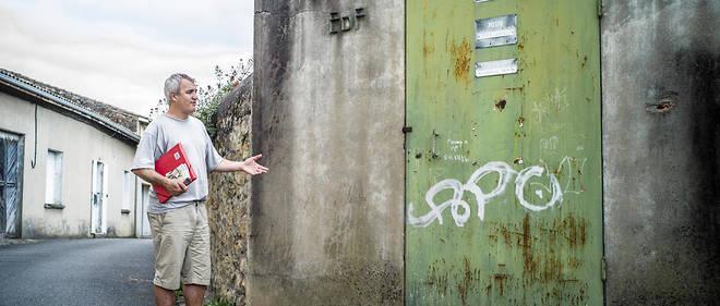 Stéphane Lhomme anime un site internet invitant les communes à refuser l'installation du compteur électrique Linky.