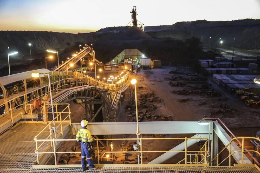 Capture d'une image de la mine d'or de Buzwagi en Tanzanie.  ©  Paix et développement