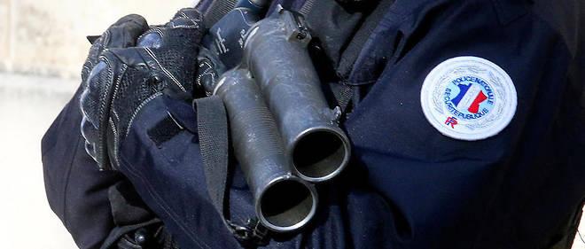 Les lanceurs de balles de défense, aussi appelés Flash-ball, sont considérés comme des armes de catégorie A.