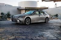 Cette cinquième génération de Lexus LS présente un style nettement plus affirmé que la précédente. ©Nate Hassler