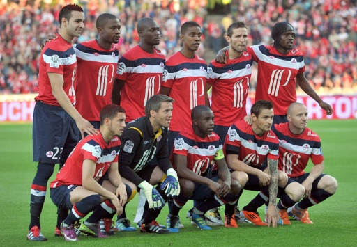 Les joueurs de Lille, champions de France de 2011, le 29 mai 2011 à domicile avant leur match de Ligue 1 contre Rennes © PHILIPPE HUGUEN AFP/Archives