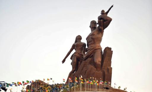 Le Monument de la Renaissance africaine, produit dans les Studios artistiques de Mansudae et exposée à Dakar, au Sénégal, le 3 avril 2010 © SEYLLOU DIALLO AFP/Archives