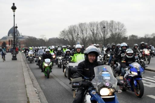 Rassemblement des motards à Paris contre les restrictions de circulation, le 16 janvier 2017 © ALAIN JOCARD AFP