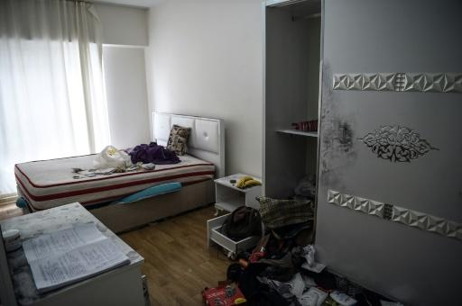 La chambre de l'appartement où le principal suspect de la fusillade du Nouvel An dans la discothèque Reina a été arrêté, à Istanbul, le 17 janvier 2017 © OZAN KOSE AFP