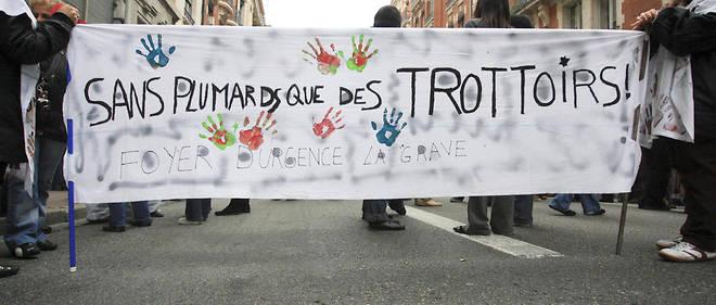 Manifestation pour plus de lieux d'accueil des SDF, à l'automne 2016 à Toulouse.