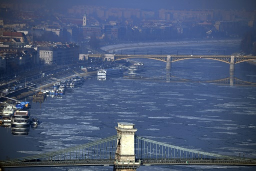 Budapest, le 24 janvier 2017, alors qu'une vague de froid persistante entraîne un pic de chauffage au bois, source de pollution aux particules fines © ATTILA KISBENEDEK AFP