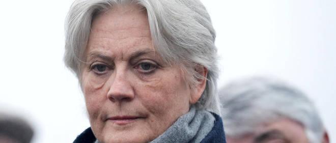 Penelope Fillon a touché 5 000 euros brut par mois pour son travail littéraire, entre mai 2012 et décembre 2013.