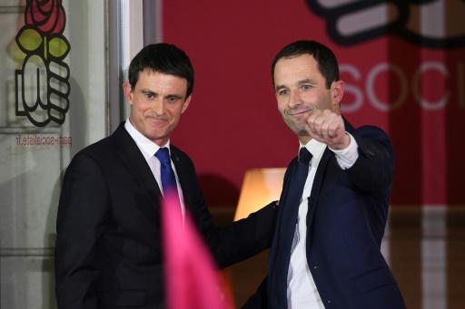 Manuel Valls et Benoît Hamon au siège du PS au soir du second tour de la primaires le 29 janvier 2017 à Paris © Eric FEFERBERG AFP